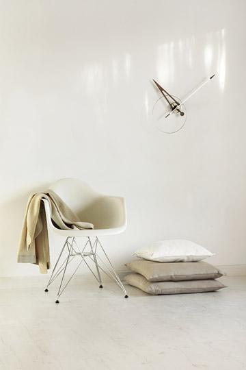 Design Wallnunt Metal Wall Clock