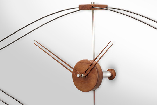 Design Wallnut Fiberglass Wall Clock