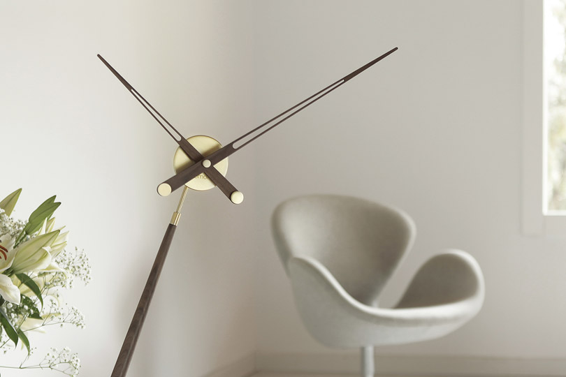 Design Table Top Clock