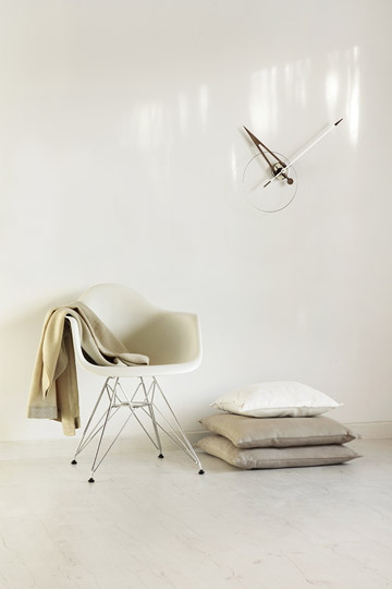 Design Wallnunt Metal Wall Clock