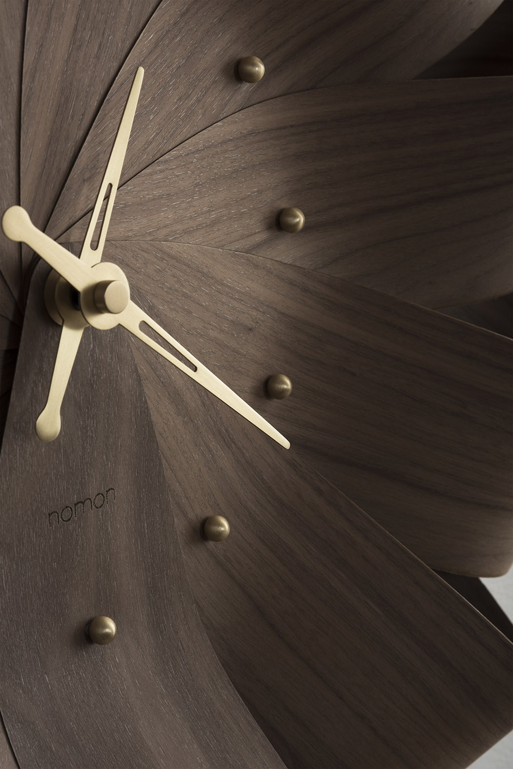 CINI CICLO DETALLE WALNUT GOLD SET LOW RES